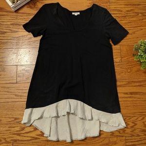 Raven & Lily Black T-Shirt w/ Layered Gauze